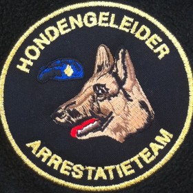 Hondengeleider AT